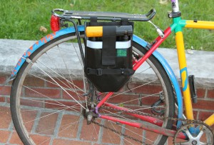 U-Lock Tote, mounted to rear rack