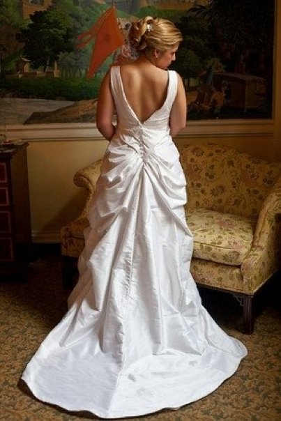 julie wedding dress back