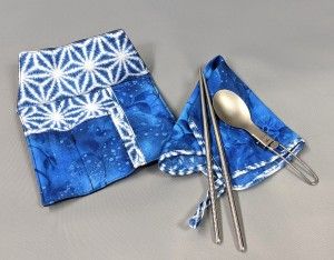 Folding utensils and a cloth napkin